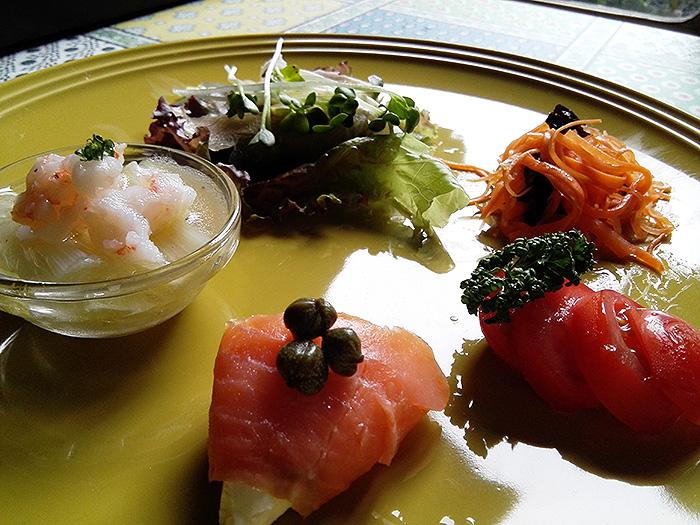 季節の野菜と前菜