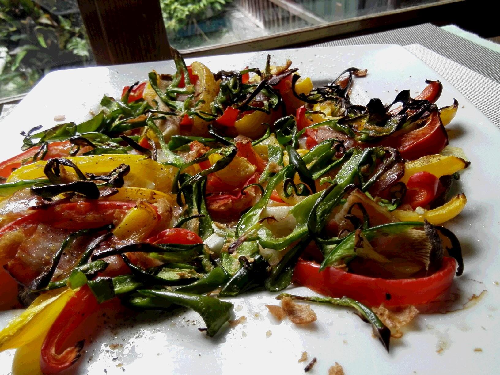 春の野菜とベーコンのロースト